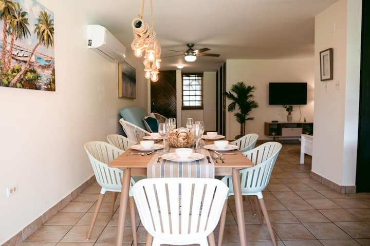 Stylish Beachfront Apt @Continental Beach Resort