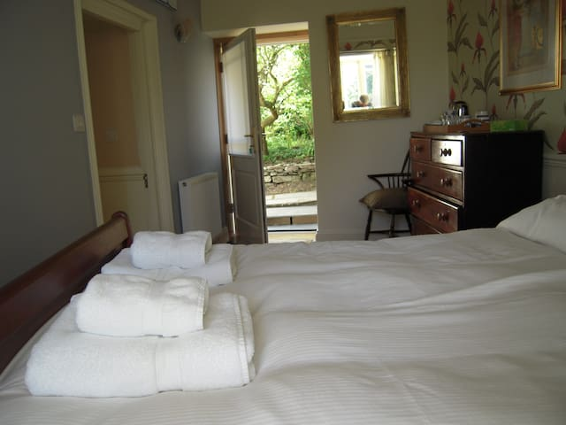 Noels Room at The Old Rectory, Rame