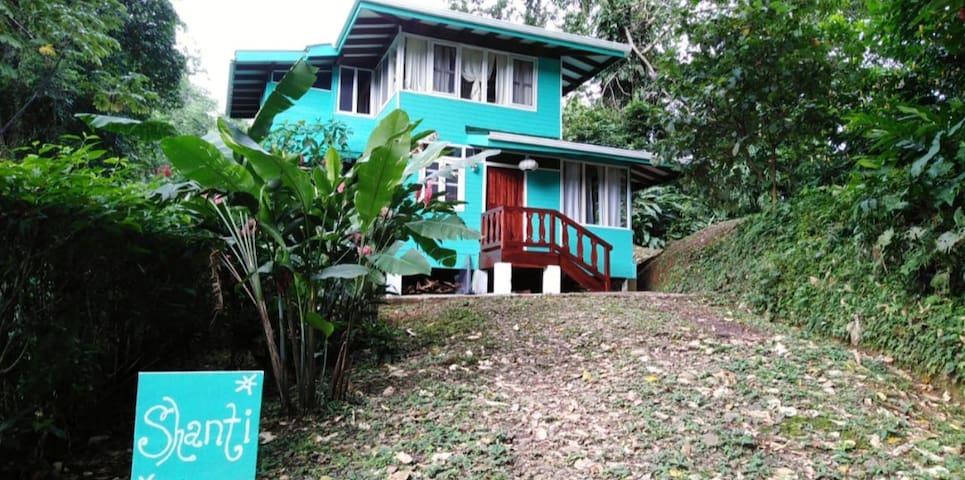 Shanti House- Tropical Paridise in Puerto Viejo