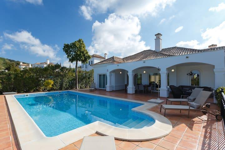 Villa de lujo de 4 dormitorios con piscina privada