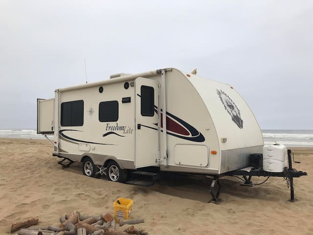 Chief a small but mighty beach rv, ready to rent!