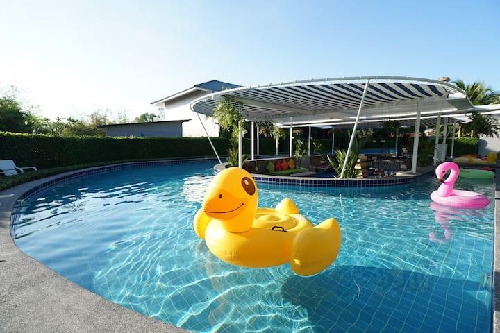 Natha Villa Hua Hin, Pool Access 1