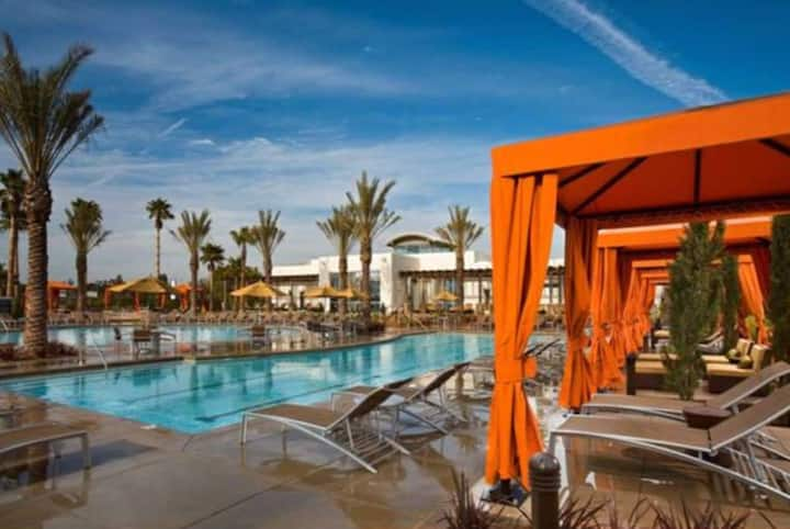 Luxury Living Near Beach LAX 2 Rarely Available