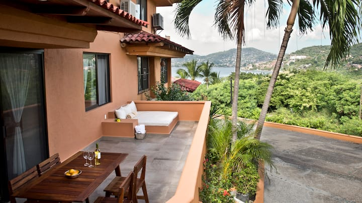 Relaxing & Romantic Condo W Dreamy Ocean View 2BR