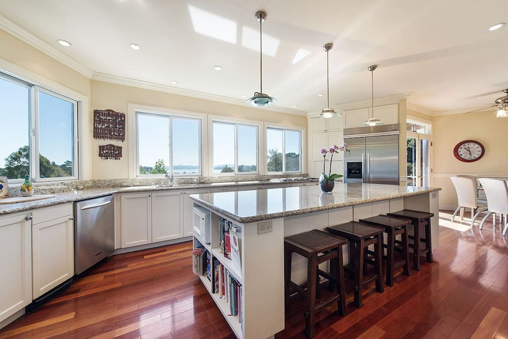 Updated Chef's kitchen with gas stove and dual ovens