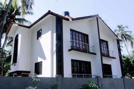 Amazing 2BHK duplex villa at Morjim (W) - Morjim - Villa