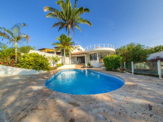 Direct Beachfront Private Villa - La Cruz de Huanacaxtle