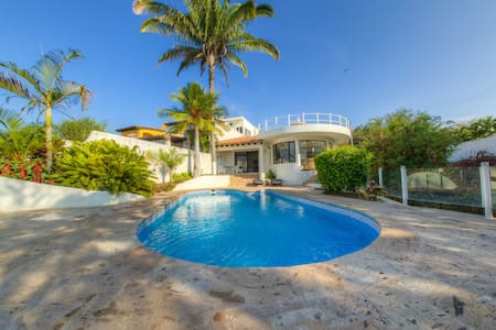 Direct Beachfront Private Villa - La Cruz de Huanacaxtle