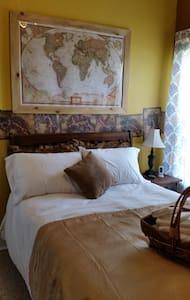 Falcon's Rest B&B Jade Room - Downey - Bed & Breakfast