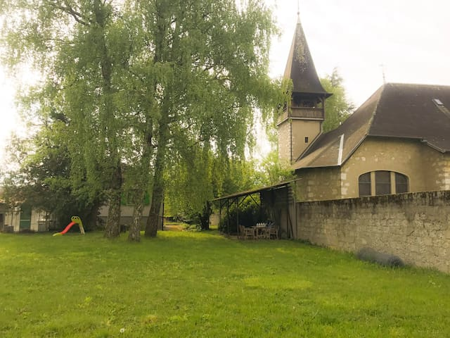Charming family home with big backyard - Satigny - Casa