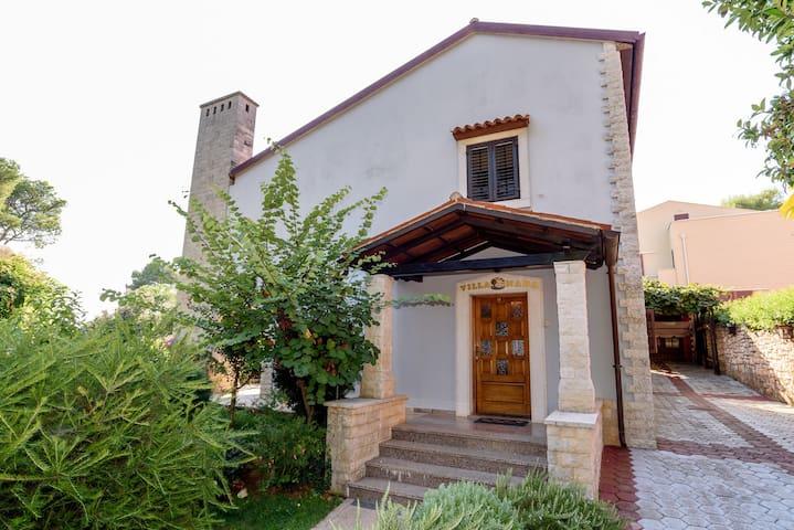 Villa Nada - seaside holiday house!