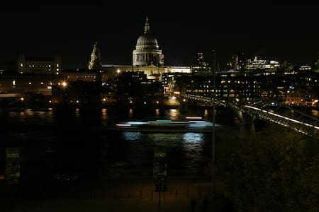 Riverside flat overlooking St Paul's Cathedral - Londres