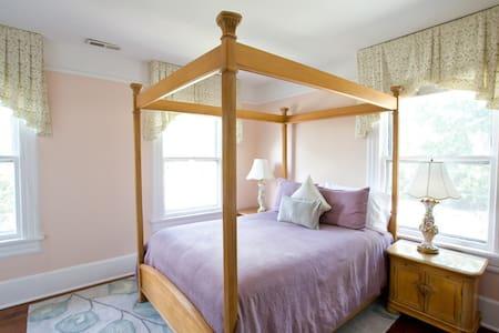 True Asheville B&B- Grove Park Room- 2nd floor - アシュビル - B&B/民宿/ペンション