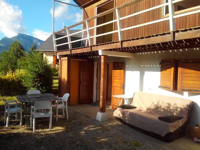 CHALLES - T2 45m² en RDC de maison - Challes-les-Eaux - Dům