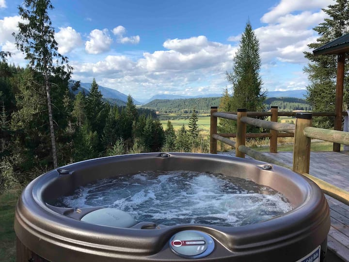 Hottub! Relax! Explore 4 seasons! No cleaning fee!
