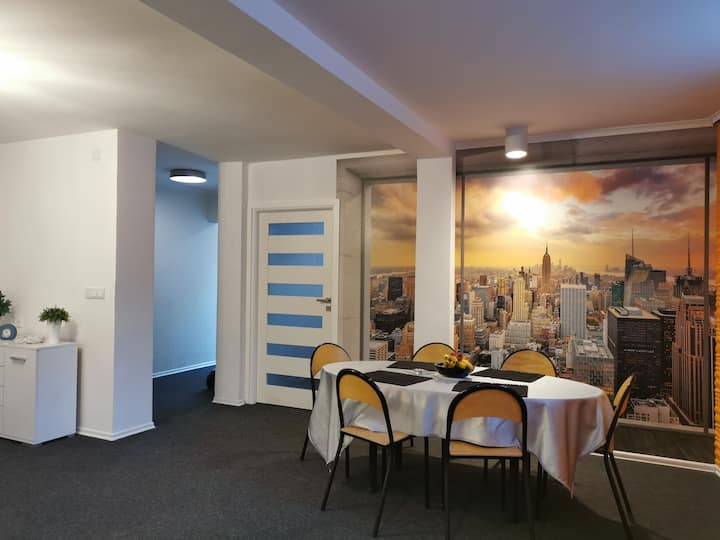 Przestronny apartament blisko centrum dla 4-5osób