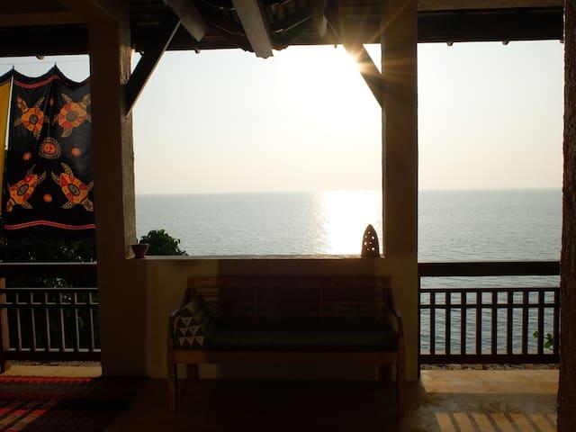 SEA VIEW VILLA FOR 6 - Amazing location!