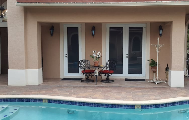 Guest House - Quiet in the Country - Sleeps 2 - Loxahatchee