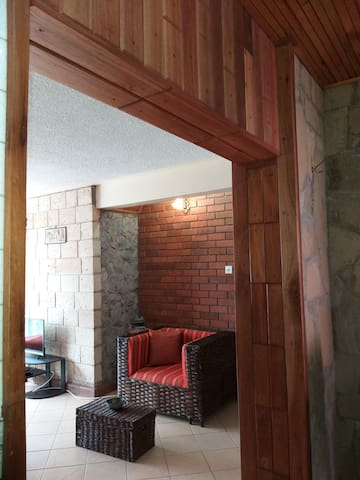 Scenic Rustic Apartment with coffee house onsite