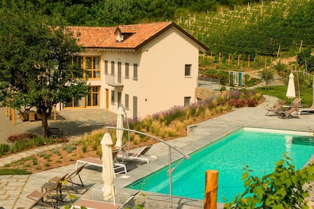 The house in the vineyard - Canelli