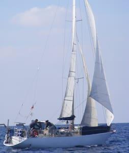 voilier:dans les îles du Dodécanèse - Kálimnos - Boat