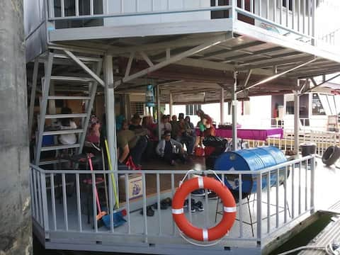 Royal Belum Dr. Cruise Houseboat - 35pax