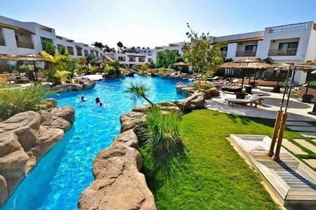 Unique modern sea view 4 bedrooms villa  wi garden