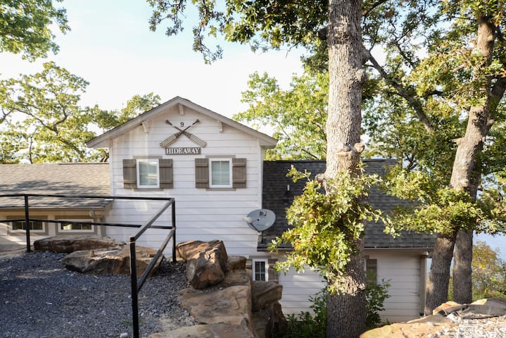 Hideaway Cottage Overlooking Skiatook Lake