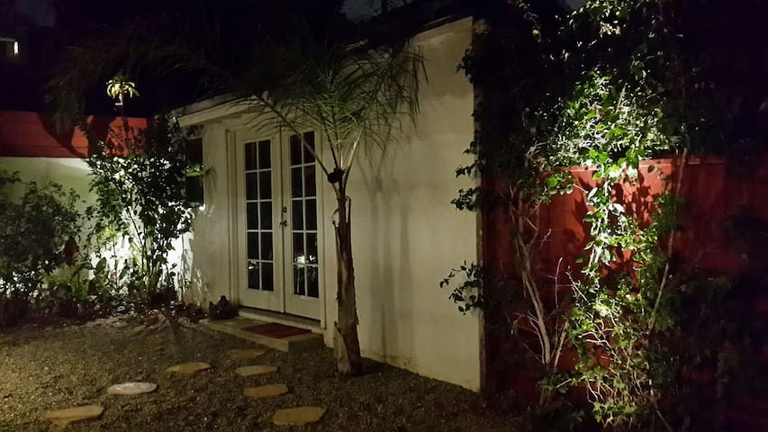 Private Silver Lake Guesthouse! - Los Angeles - House
