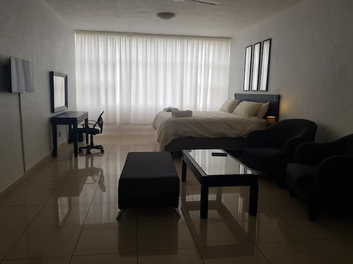 Sandton Apartmet (113) - 4.6 kms from Sandton City