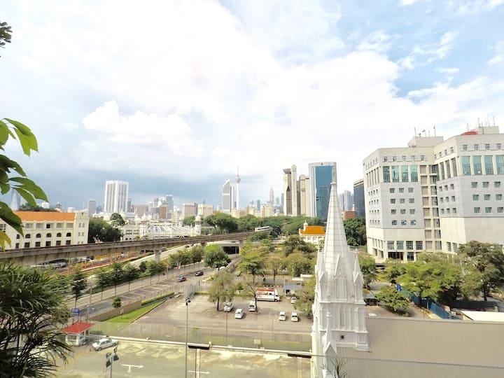 (KL City View/KLCC) @ 2r2b KL Sentral/WiFi Netflix