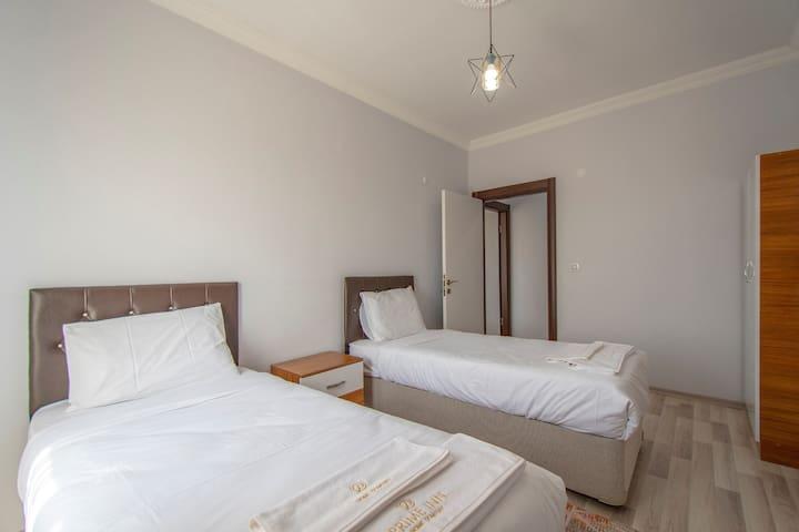 2 Adet Tek Kişilik Yatak odası