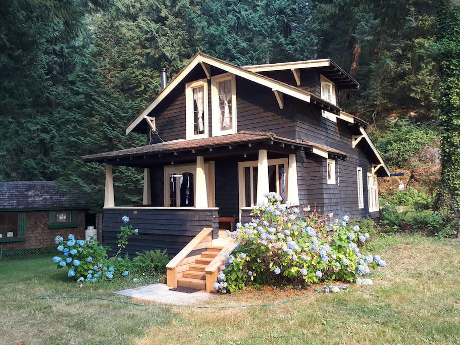 Becky Cabin - Available