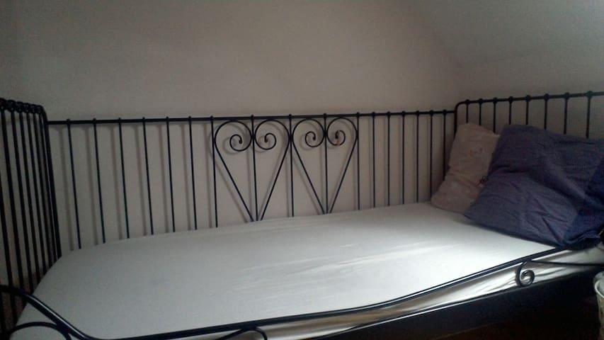 Chambre partager avec 3 lit