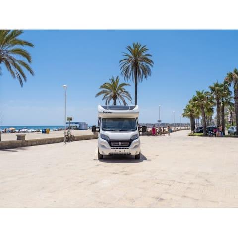 Autocaravana Deluxe en alquiler 4 plazas año 2019