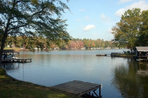Lakeside Cottage near Milledgeville, GA