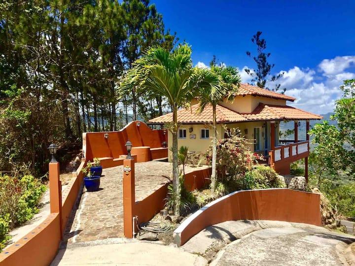 Experience Altos del Maria Panamá @ Villa Bowes