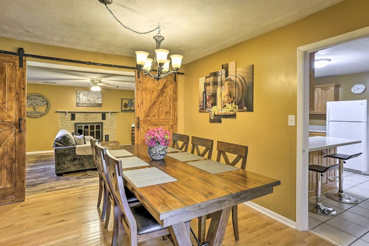 NEW! Event-Friendly Home < 5 Mi to Downtown Chatt!