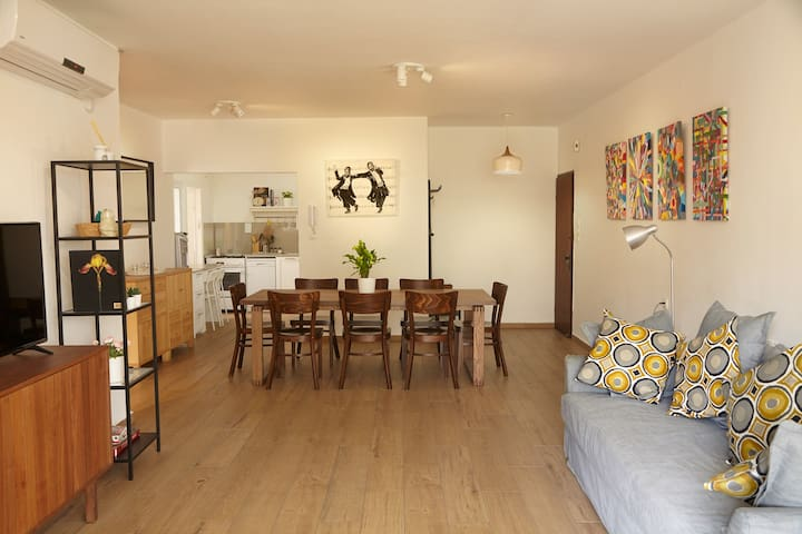 AMAIZING APPARTMENT IN RAANANA'S TOP LOCATION.