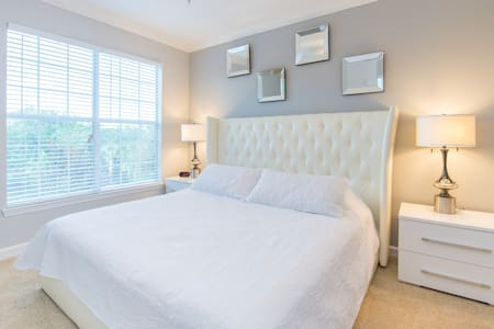 Luxurious, Newly Renovated Condo Near Disney - Davenport - Appartement en résidence