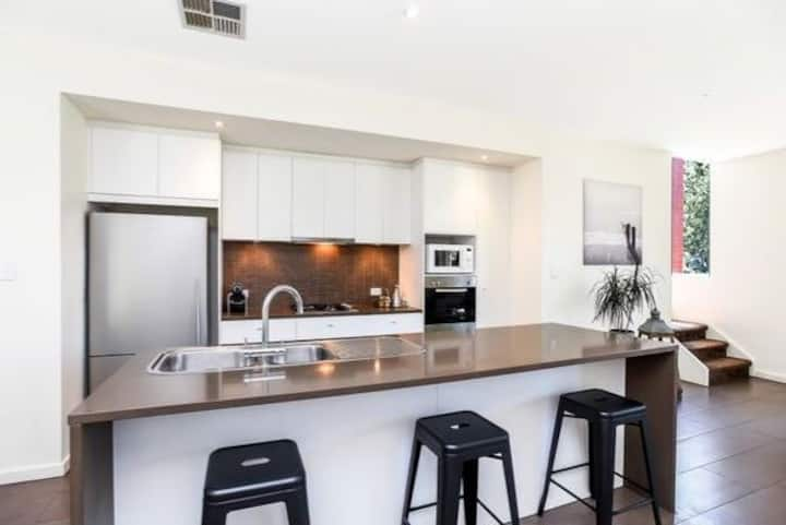Room in beautiful home with easy access to CBD