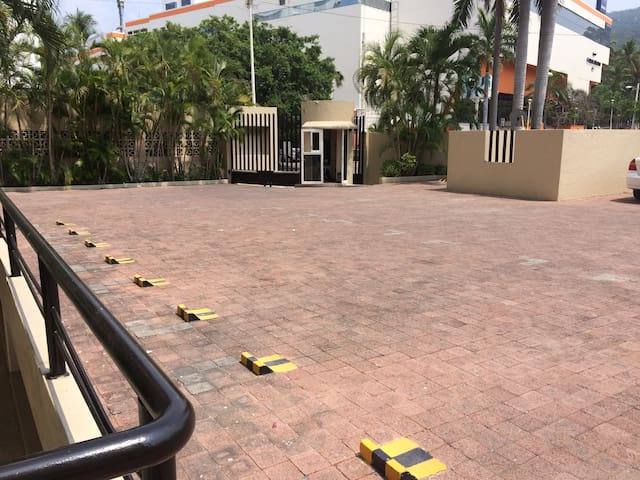 estacionamiento con vigilancia