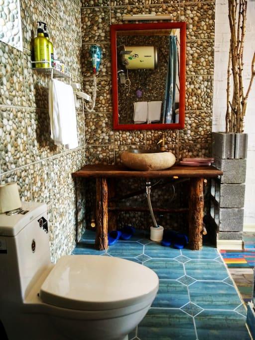 白桦林卫生间