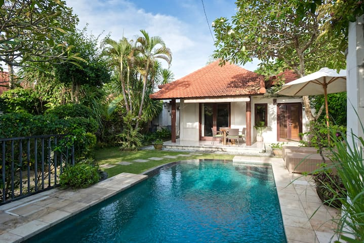 VILLA PAGI QUIET 2 BDRM POOL SHORT WALK TO BEACH