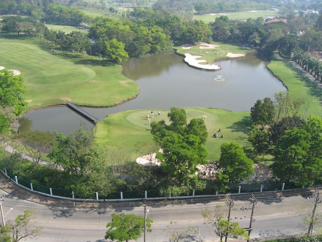 Thana City Golf View close to airport