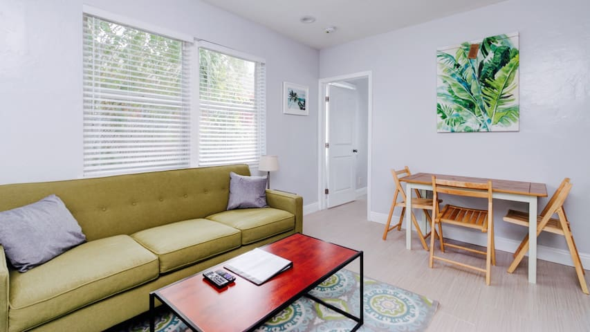 Parakeet Retreat Unit 2 - Downtown Fort Lauderdale