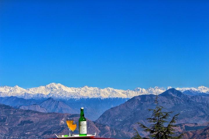 Attic |Grandma Stokes BNB| Himalayan View