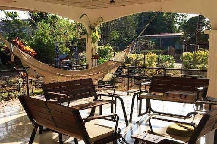 Traditional, Cozy, Panamanian Bed, Breakfast & AC2