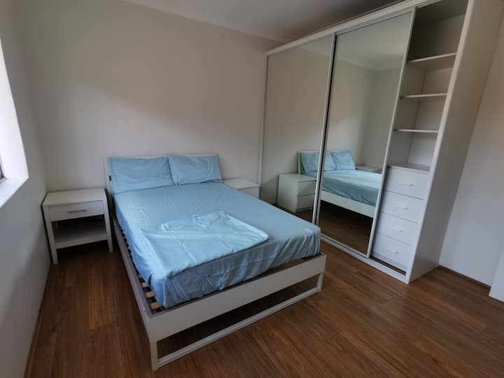 Tidy 2bedroom unit distance to Sydney Olympic Park