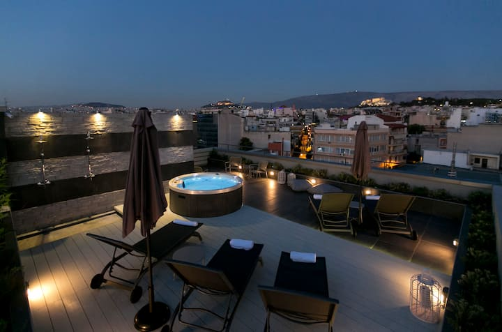 Central Luxury Suite with Jacuzzi&Acropolis View